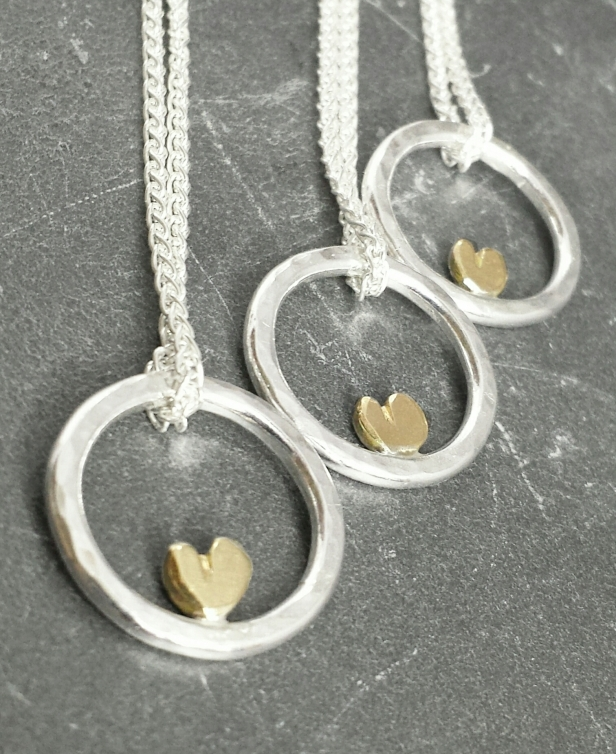 ...complete 9ct sweetheart...